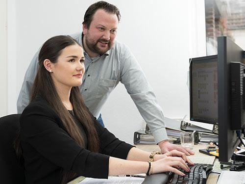 teamwork-bei-der-steuerberatung-rentmeister